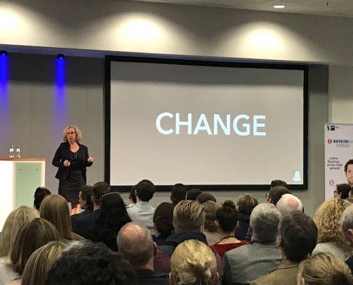 Dr. Kerstin Hoffmann im Vortrag