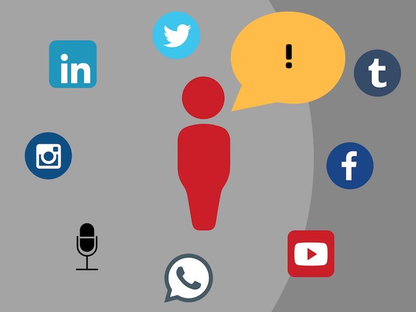 Meinungsbildner/Influencer mit Sprechblase und Symbole für soziale Netzwerke