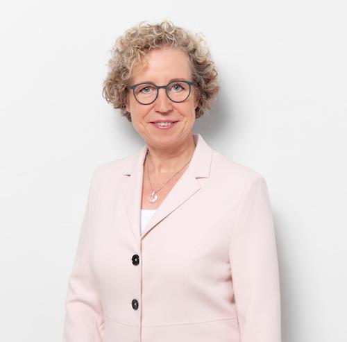 Dr. Kerstin Hoffmann mit Brille